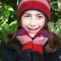 CK602-Childs-striped-glove-&-beanie.